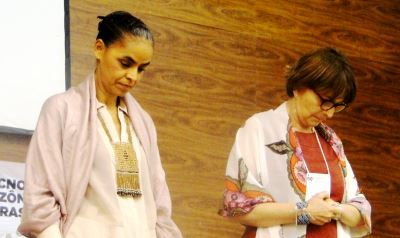 Marina Silva e Helena Nader em minuto de silêncio