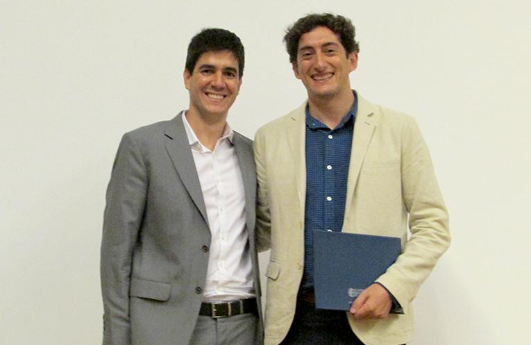Os Acadêmicos Gustavo Wiederhecker e Thiago Alegre trabalham juntos no  Laboratório de Pesquisa em Dispositivos da Unicamp