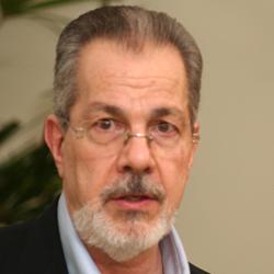 Acadêmico Sergio Danilo Pena